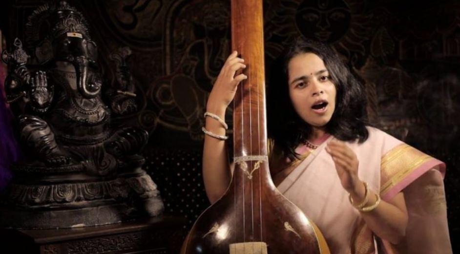 Meghana Sardar Jógatippek - hiteles jóga oktatóktól
